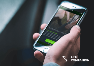 Life Companion Logo und LifeCompanion App screen auf iPhone