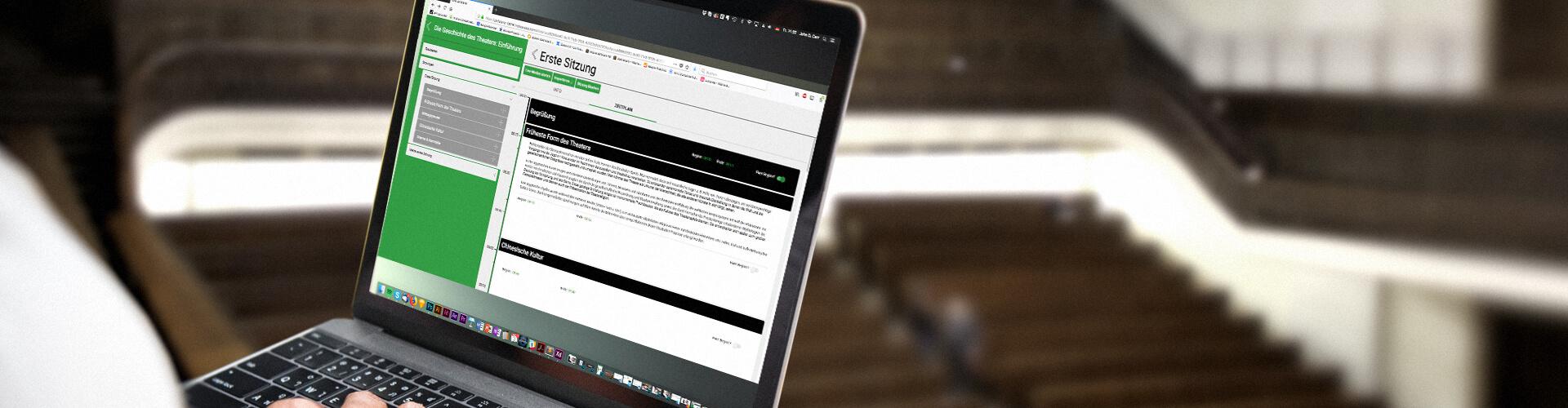 Laptop mit LMU Zeitplaner Web App