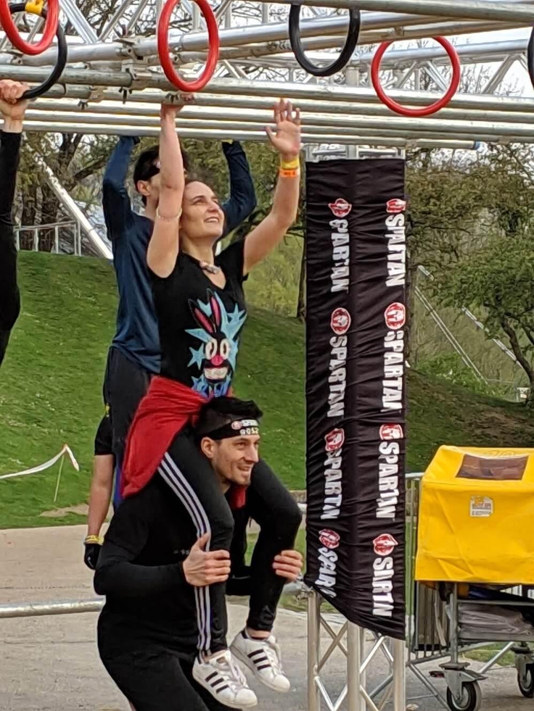 Hangeln an den Ringen vom Spartan Race 2019
