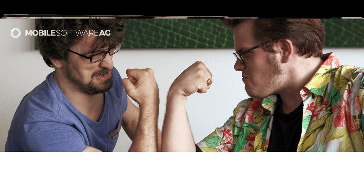 Titelgrafik iOS Entwickler mit zwei befreundeten Entwickler in München